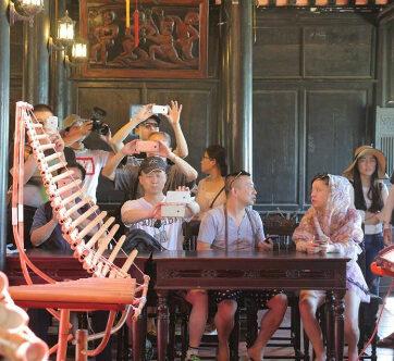 Khánh Hòa được đề nghị chấn chỉnh việc đón khách Trung Quốc