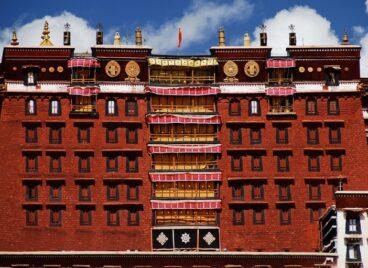 Khám phá cung điện Potala ở Tây Tạng hùng vĩ