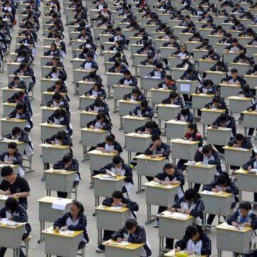 Tỉnh Giang Tô: 10 đề thi văn Trung Quốc thách thức mọi IQ