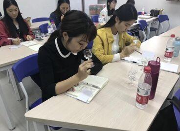 Trường đại học đặc biệt của Trung Quốc, hứa hẹn thu nhập gấp ba