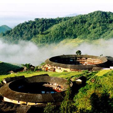 Ngôi làng nổi danh thế giới nhờ công trình kiến trúc có một không hai