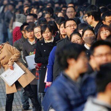 Trung Quốc: Số lượng sinh viên ra trường tăng kỷ lục