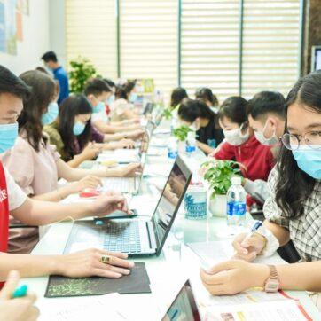 Hàng loạt trường khối kinh tế ở TPHCM công bố điểm sàn